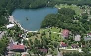 Озеро Ая с высоты птичьего полёта. Фото с сайта ayahotel.ru