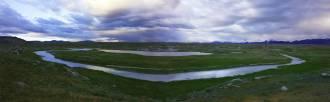 Урочище Бертек. Вечер на безымянном озере. Вид на Табын-Богдо-Ола (Пять Священны