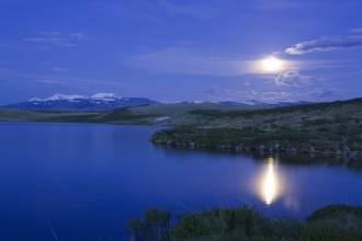 Лунная ночь над озером Кальджинкуль - Фото Игоря Хайтмана