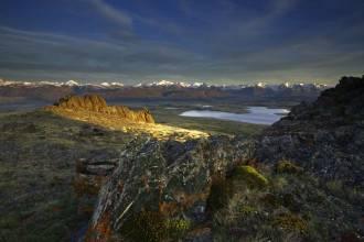 Вид на хребет Южный Алтай и озеро Кальджинкуль - Фото Игоря Хайтмана