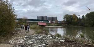 Активисты ОНФ помогли жителям Новой Москвы остановить сброс ядовитых отходов в Хованский пруд