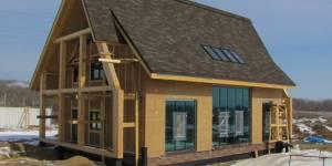 Дом с солнечным отоплением из соломенных панелей строится под Владивостоком