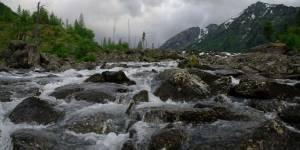Строительства ГЭС на малых реках Алтая «За» и «Против». Почему местные жители протестуют, власти поддерживают, а инвесторы готовы вкладываться?