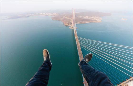 Фантастические виды на фантастически дорогой мост